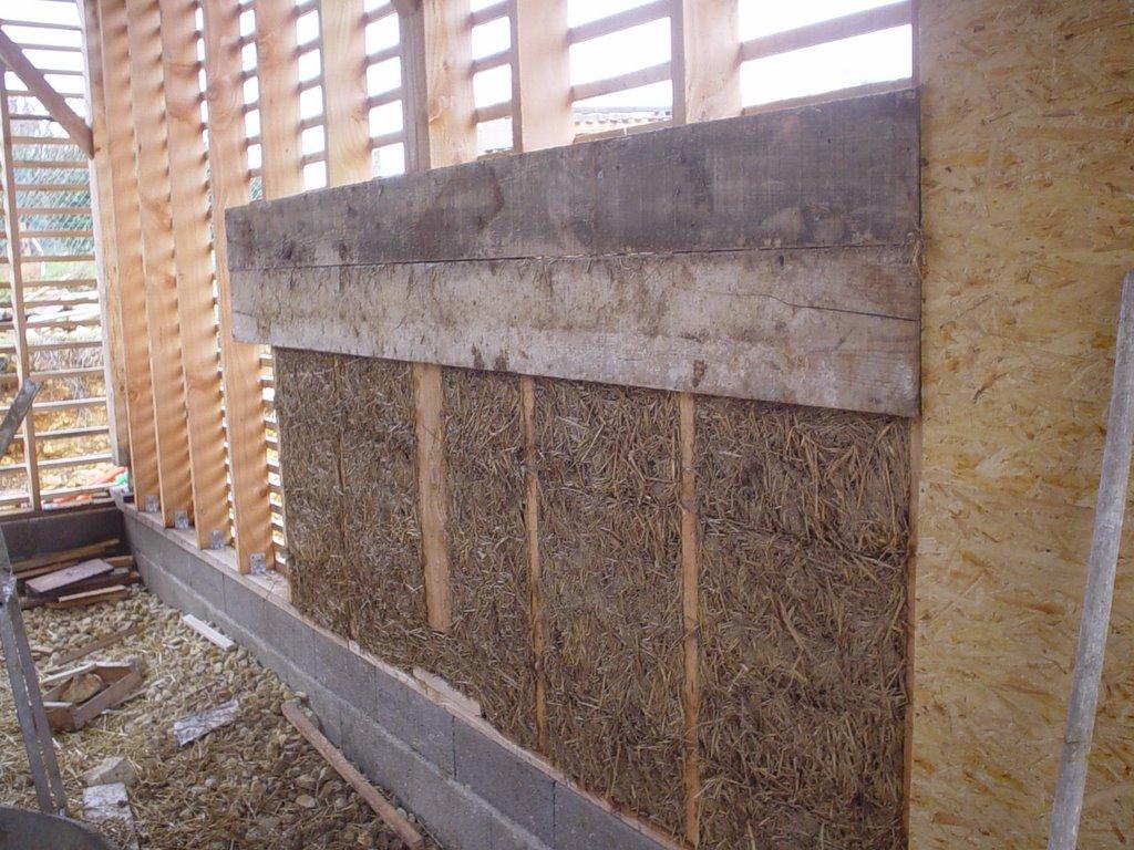 Notre maison en paille terre paille et autres futilit s - Terre contre mur maison ...