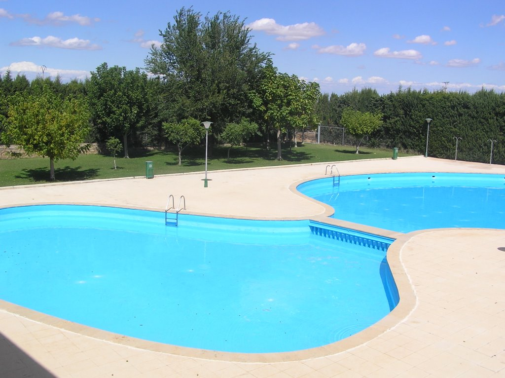 Cal petit del canton piscina municipal for Piscina municipal