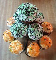 simple cupcakes with sprinkles