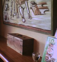 Mystery bar #25 - strange painting and objets d'art