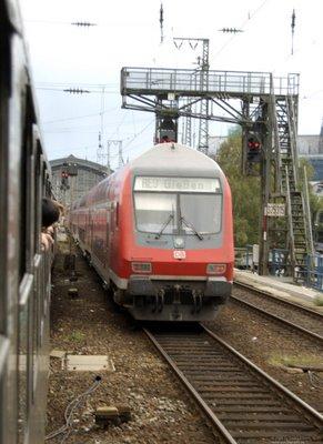 Signalbrücke - Parallelfahrt mit RE9