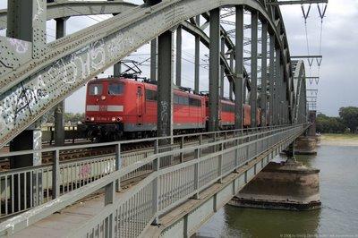 DB E 151 044-5 - Doppeltraktion Güterzug