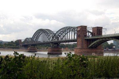 Südseite der Brücke