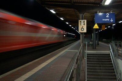 Brühl  Durchfahrt HGK Class66 Güterzug