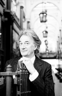 World Faimous Fasion Designers - Paul Smith