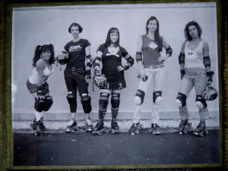 we love the Texas Rollergirls