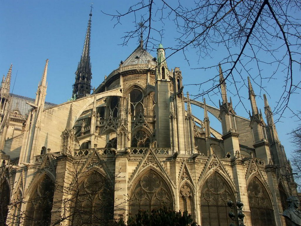 external image notredame3 jpg Gothic Architecture Flying Buttress