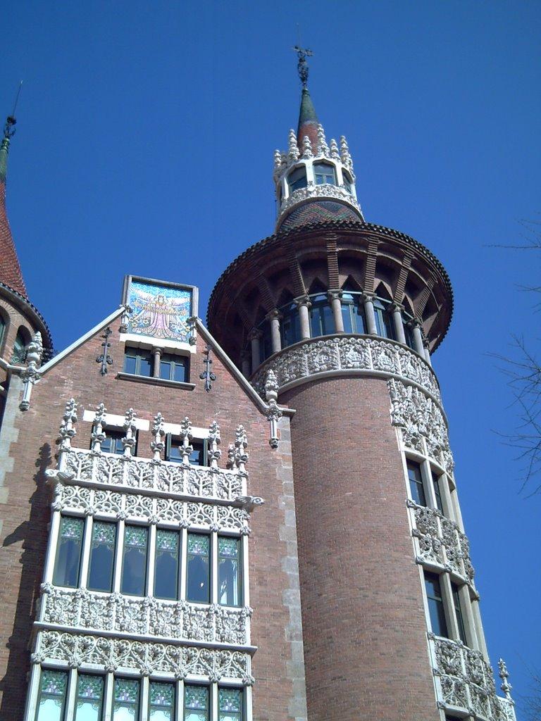 Barcelona Architecture: Casa de les Punxes