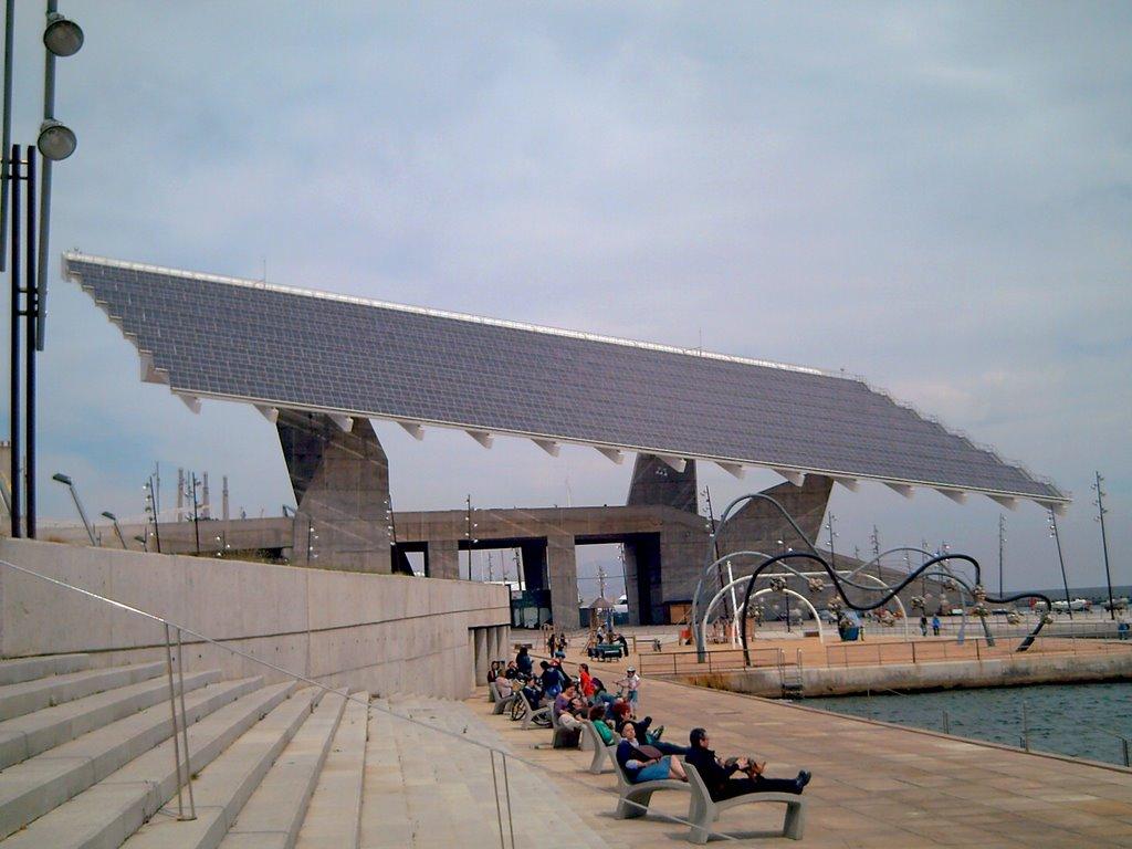 Barcelona photoblog universal forum of cultures solar panel - Placas solares barcelona ...