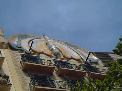 Plaça Espanya: Modernist Butterfly - Click to resize