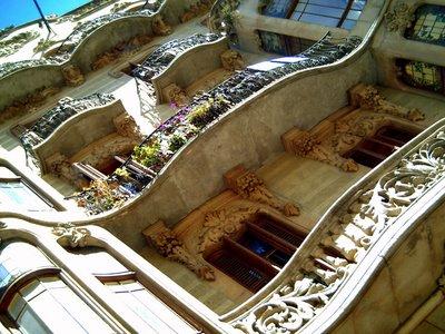 Paseo San Juan: The Billowing Balconies: Click to resize