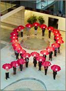 Símbolo da Campanha Anti-AIDS feita com pessoas
