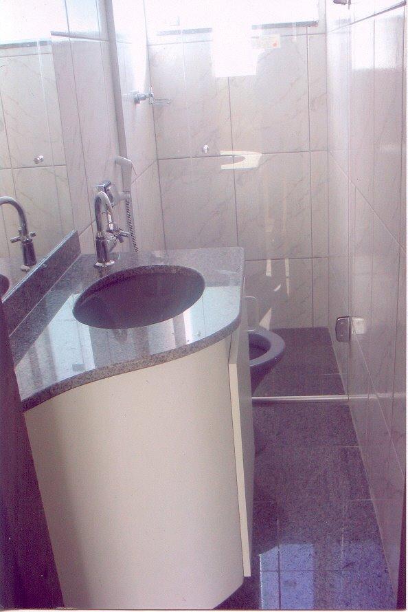 Divisoma divis rias e forros gabinete para lavabo europeu for Gabinete para lavabo