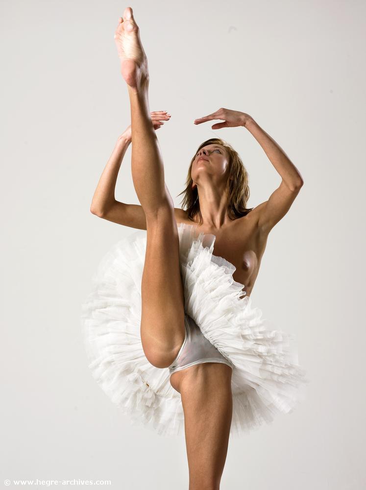 golaya-balerina-onlayn