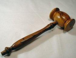 An image of a gavel signifying the start of legal proceedings in the Vioxx case