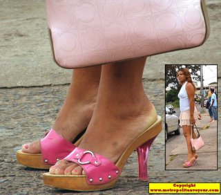 Pink trasnaparent plastic heel platform shoes of diva