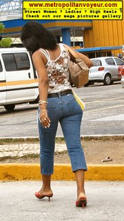 mules sandals heel buttocks butt bracelet ring anklets ankle chain sway jeans lover amante purse