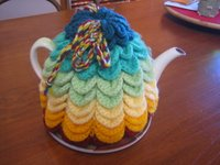 Scallop tea cozy - a free crochet pattern