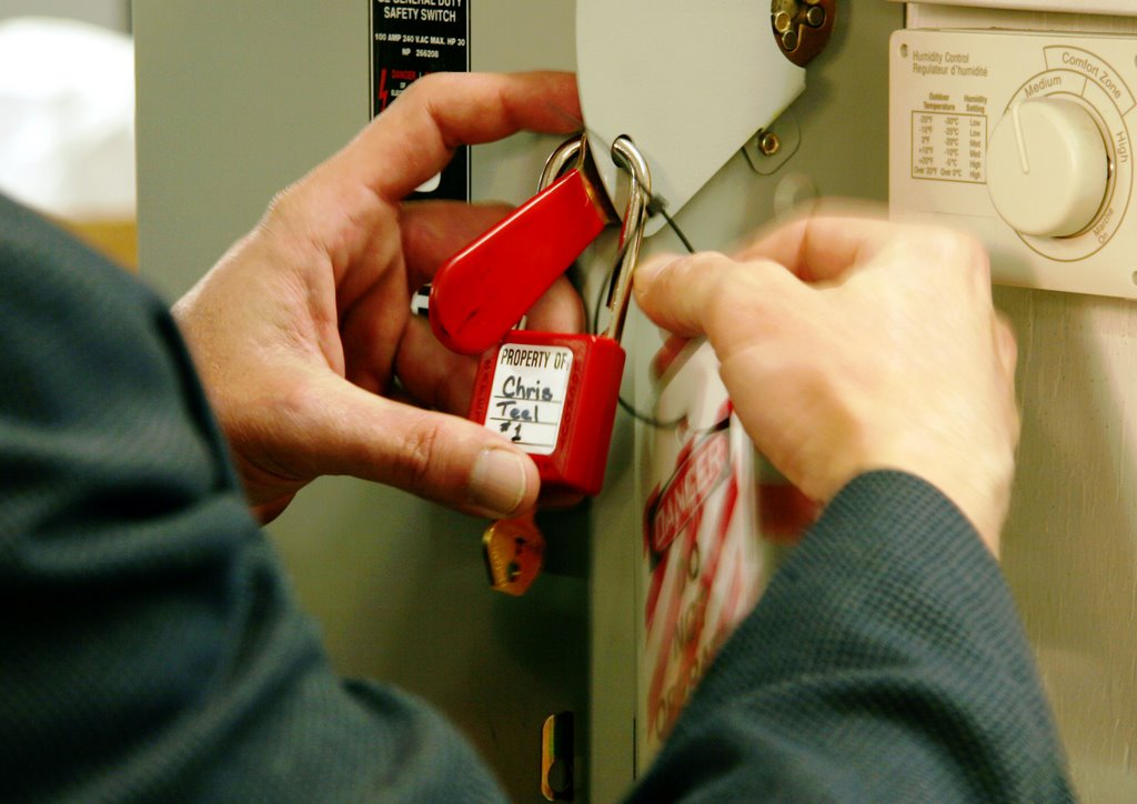 preventing workplace injuries and deaths with lockout