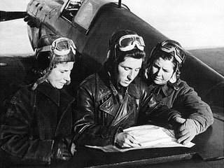 Lilya Litvak, (la 'Rosa de Stalingrado'), Katya Budanova y Mariya Kuznetsova