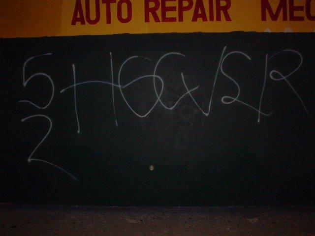 5 deuce hoover crip gang signs