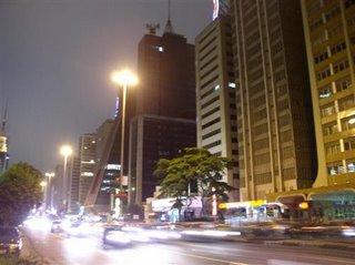 Saudades de Sampa!! Quase todas as noites saiamos de casa para passear na Paulista...Muitos me chamam de doido, mas a verdade é que sou apaixonado por Sao Paulo