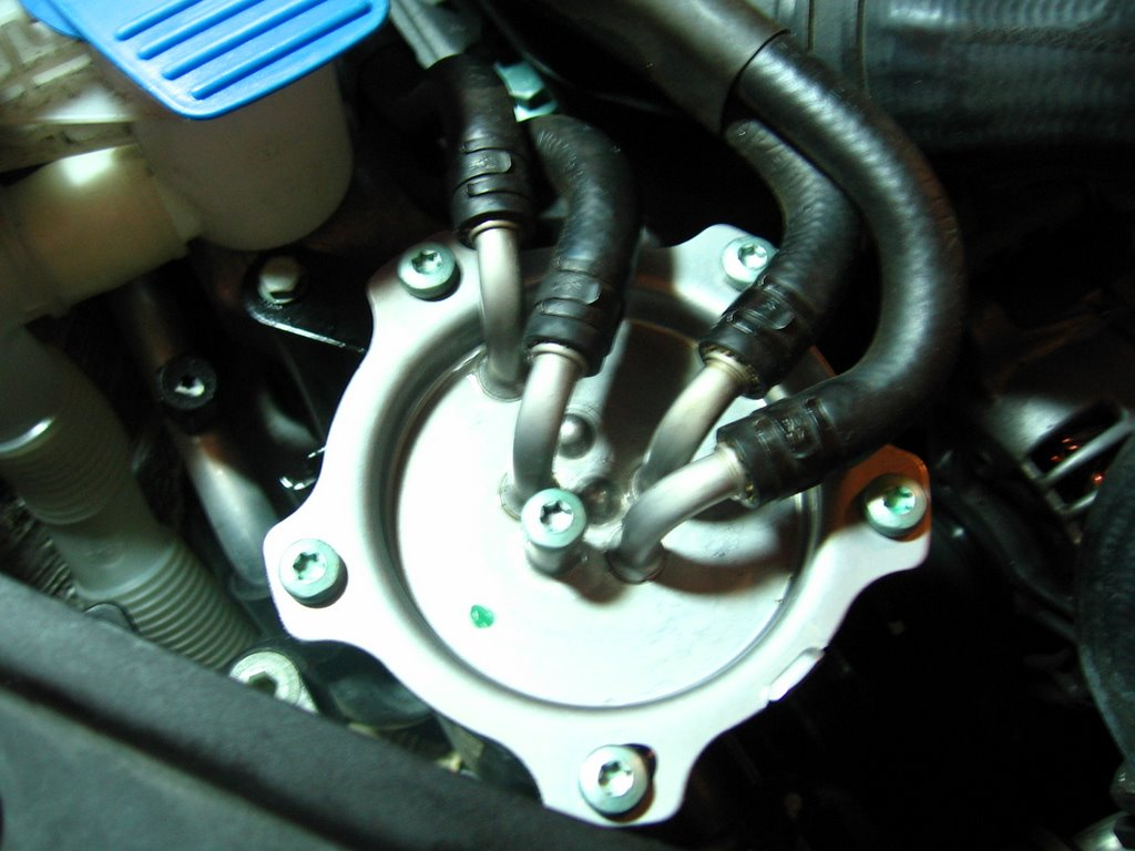 how to change mx 5 fuel filter