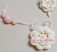 Colar Palha de Flores de Crochê