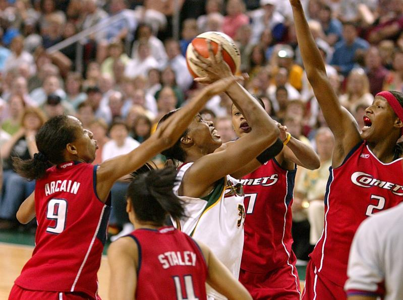 Noxeema Jackson Basketball
