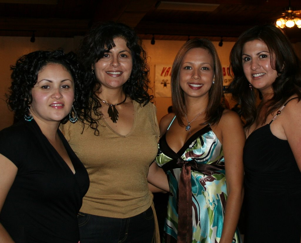 center valley single hispanic girls Conejo valley single mother's community group  we're 87 women who love reading and women  valley jewish community center we're 529 members .