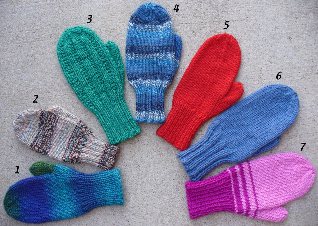 Mitten Knitting Pattern 4 Needles : Needles, Notes and News: No swatch, No Gauge Mittens for Kids