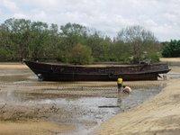 Old boat close to Bang Pae Seafood
