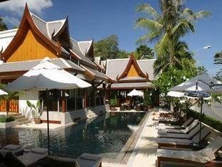 Baan Yin Dee Pool