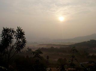 Hazy sunrise over Kathu, 6th November 2006