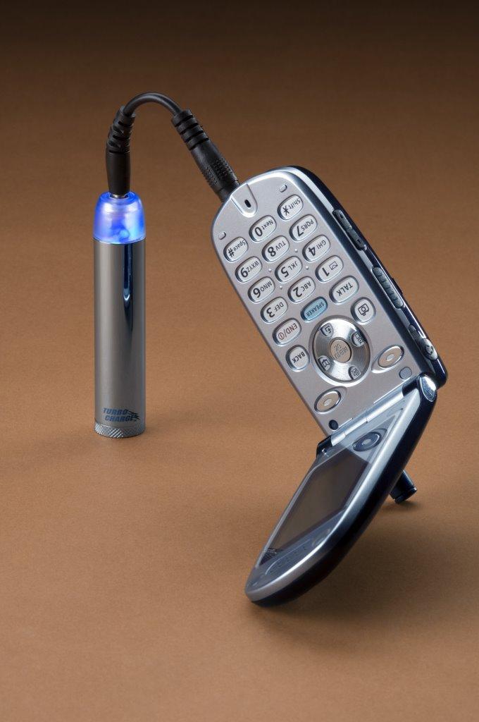 Зарядное устройство на батарейках для телефона своими руками