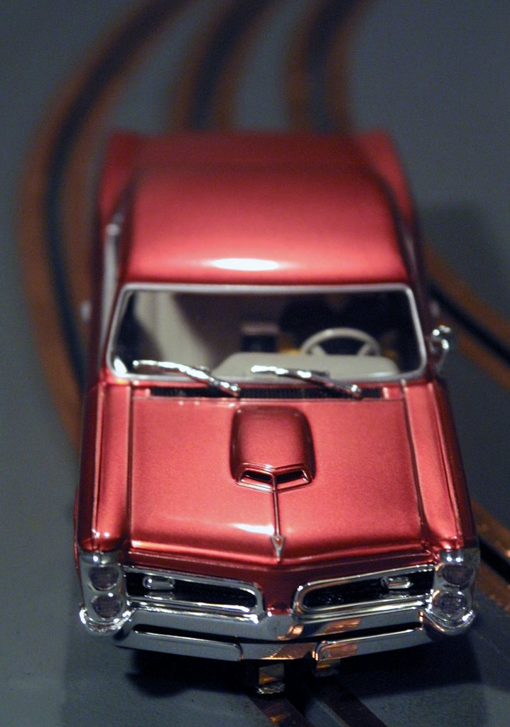 Slot Car News: Old School vs. New School?