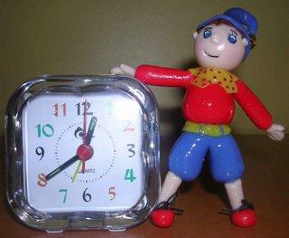 Relógio com Noddy em Biscuit