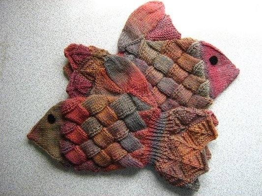 Knitting Pattern For Fish Mittens : Knitting Through the Looking Glass: Stash enhancement