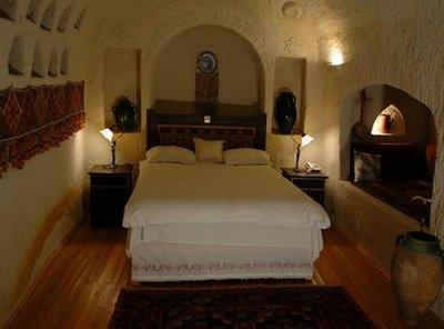 فندق الكهف في تركيا .... cave_hotel_04.jpg