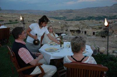 فندق الكهف في تركيا .... cave_hotel_07.jpg