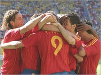 Foto del equipo español tras su victoria. Copyright El Pais.es