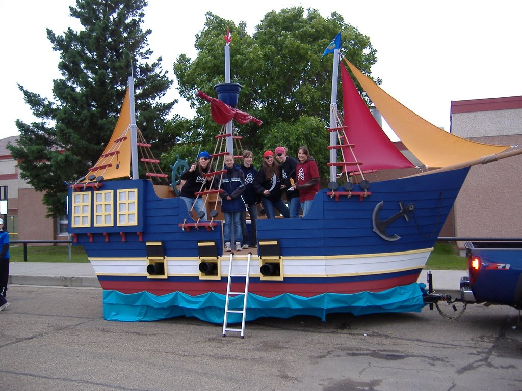 How to make a pirate ship parade float supplies