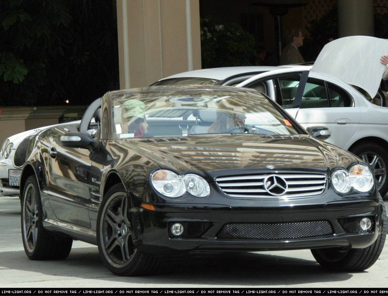 SL65 car - Color: Black  // Description: dynamic