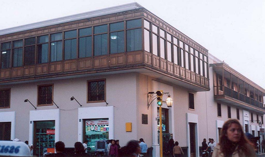 Trujillo del per tiendas y oficinas de propiedad for Oficina turismo trujillo