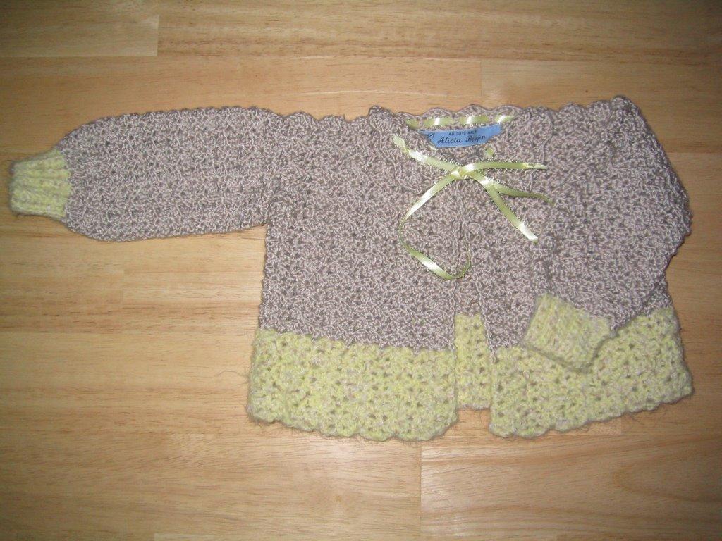 Knitting And Crochet Pattern Books : Crochet to Go: The Baby Book of Knitting and Crochet