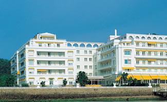 The end gran hotel isla de la toja for Hotel luxury la toja