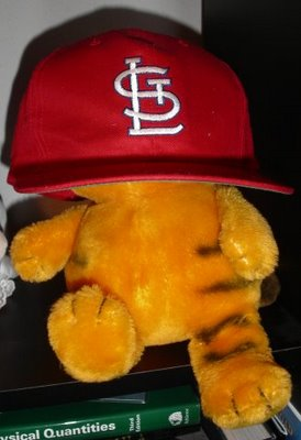 Garfield in a Cardinals cap