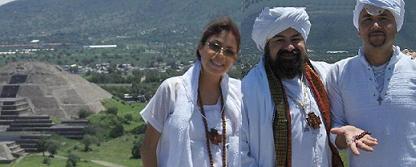 Gurumay Fatima GG:: con El Comendador y el flamante Guru Ji Dino De Labra.