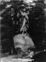 TITLE:  Sacajawea [sic] Monument in City Park, Portland, Oregon. Statue by Alice Cooper, REPRODUCTION NUMBER:  LC-USZ62-93141, Library of Congress, Prints and Photographs Division.