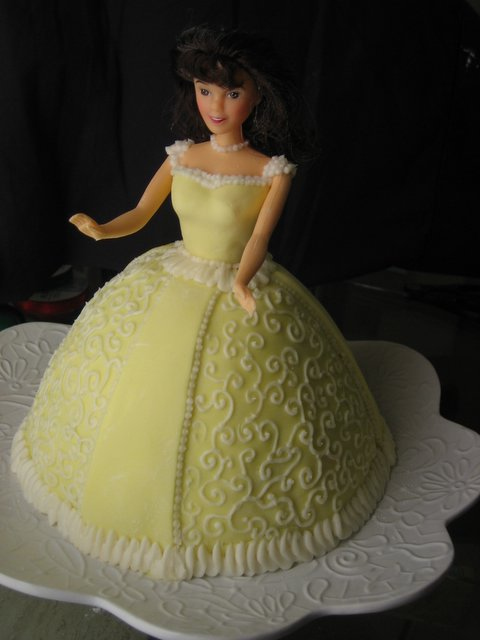 Images Of Birthday Cake With Name Simran : PRINCESS CAKE simran bakehouse
